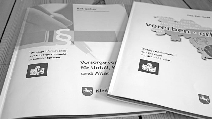 Broschüren des Niedersächsischen Justizministeriums in Leichter Sprache