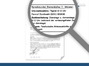 Vergrößerter Ausschnitt aus Dokument mit Lupe