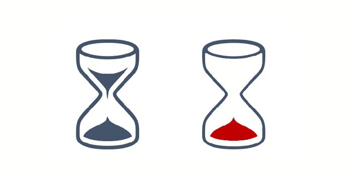 blaue Sanduhr als Schriftsymbol und als Vektorgrafik, bei der Vektorgrafik ist der Sand rot eingefärbt und nur auf dem Boden der Uhr zu sehen